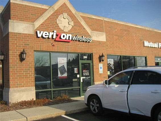 Verizon Wireless, Northbrook, IL (multiple locations throughout state) - Window film reduces heat in store